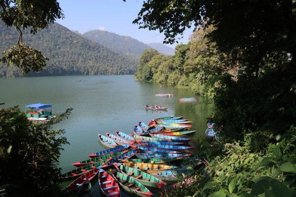 Lac din Pokhara, Annapurna Circuit.