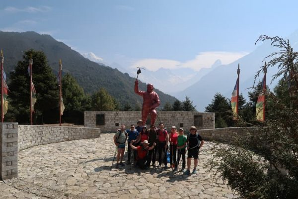 statuia lui tenzing norgay, namche bazar, everest base camp trekking