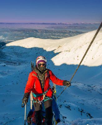 alpiniști pe creasta spre musala, bulgaria